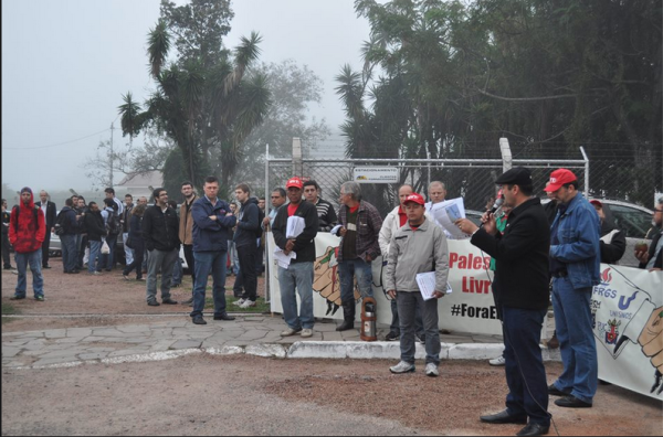 Activists from the CUT trade union, the World March of Women and members of the local Palestinian community protest at the he doors of AEL Sistemas, the subsidiary of Elbit located in the city